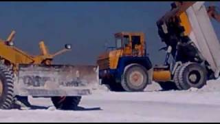 BelAZ vs BULLDOZER