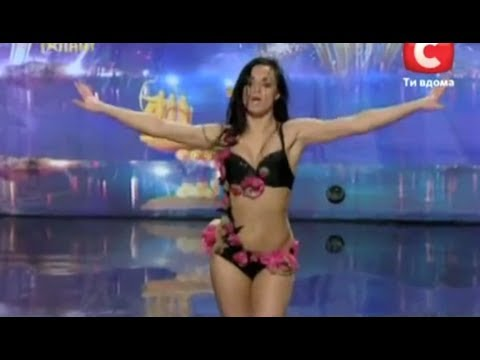 Woman Performs Exotic Dance Routine On Ukraine's Got Talent - Global video