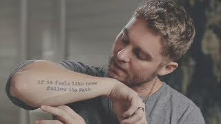 Download Lagu What's Up With Brett Young's Tattoos ? Gratis STAFABAND