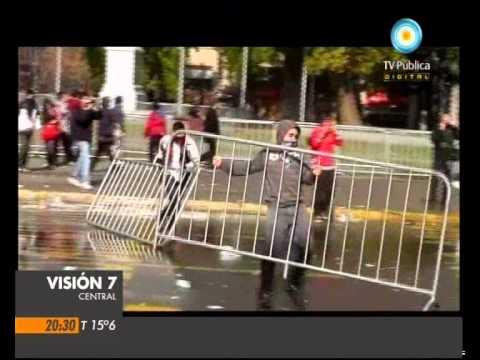 Visión Siete: Chile: Represión a estudiantes