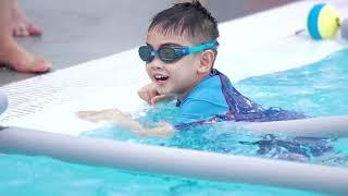 บรรยากาศงาน Mantakids Swim Gala สอนว่ายน้ำสำหรับทารกและเด็กเล็ก ในสระน้ำอุ่น ระบบน้ำเกลือ