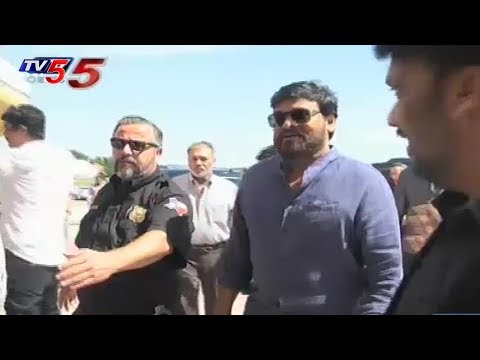 Chiranjeevi Watches 'Rangasthalam' With Telugu NRI's In Dallas, USA | TV5 News