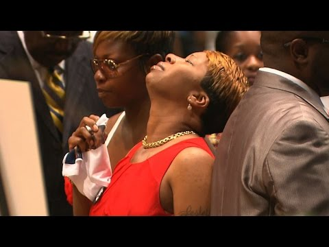 Michael Brown's funeral draws thousands of supporters, aid for victim's family