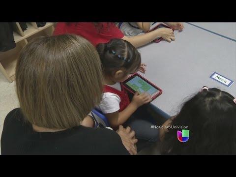 El regalo de tabletas digitales significan progreso para estudiantes de bajos recursos