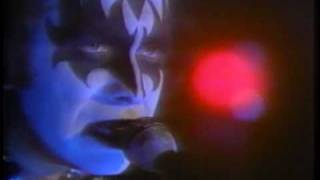 Клип KISS - The World Without Heroes (live)