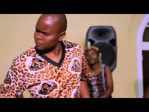 Shabalala Rhythm Ft  Oliver Mtukudzi - Siyana Naye video