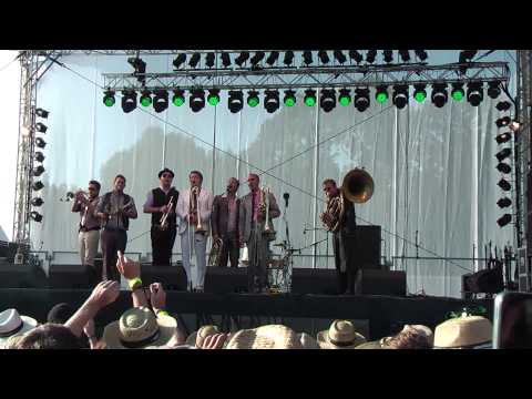 Da Blechhauf'n - Gabriella's Song - Woodstock Der Blasmusik 2012 video