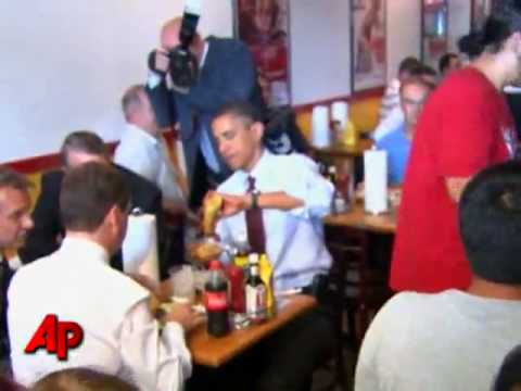 Obama And Medvedev Eating At Ray's Hell Burger
