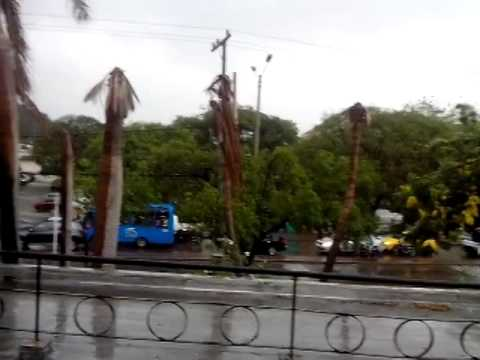 Una fuerte lluvia bañó a Santa Marta #BuenasNoticias