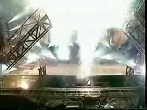 Michael Jackson Earth Song Munich 1999.he Has An Accident,the Bridge Collapse And He Hurts His Back video