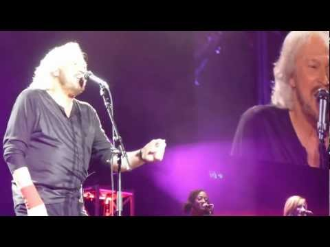 Barry Gibb *How Deep is Your Love* 16/2/13 Brisbane Australia