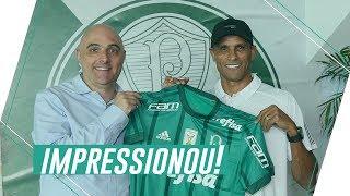 Rivaldo se emociona em visita ao Centro de Excelência do Palmeiras