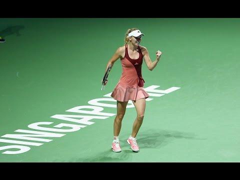 Caroline Wozniacki vs Agnieszka Radwanska | 2014 WTA Finals Highlights