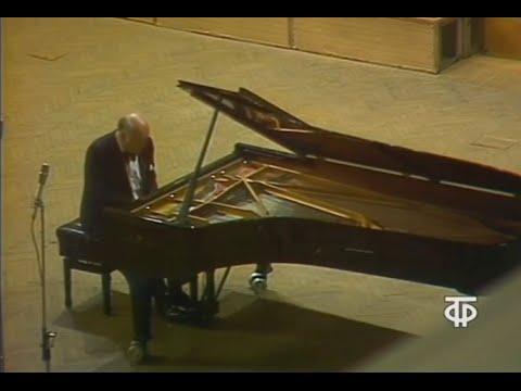 Sviatoslav Richter plays Beethoven Piano Sonata no. 9, op. 14 no. 1 - video 1976