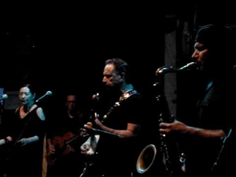 Jimmie Vaughan & Lou Ann Barton - Wheel Of Fortune LIVE in MUNICH 07/2010