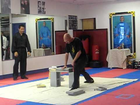 Chi Gung Breaking