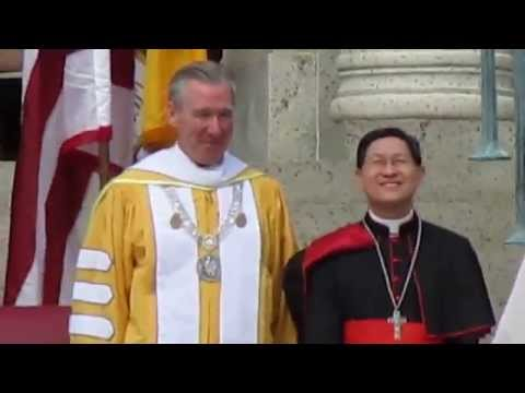 Caught on camera a rare footage - humble reaction of Cardinal Luis Antonio Tagle