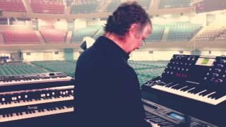 Deep Purple - 日本武道館でのDon Aireyのサウンドチェック一部映像を公開 thm Music info Clip
