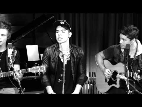 The Collective - 'She Will Be Loved' Acoustic Cover
