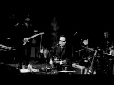 Elvis Costello - Sneaky Feelings