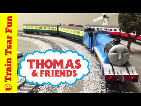 Gordon The Big Engine Gets Express Coaches Thomas and Friends Trains