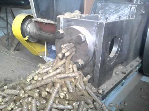 straw pellets - Ø 20-22 mm pellet briquetting machine BT60, performance on one machine 300-340 kg/h