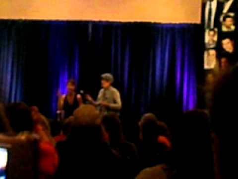 Pudding/Assbutt/Pie Song with Traci [TORCON/2011]