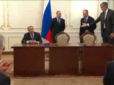 April 16, 2012 Russia_Putin wishes Exxon and Rosneft success in joint oil project