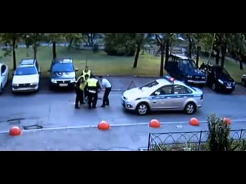 Новости сегодня  В Питере полицейские всемером избили водителя нарушителя