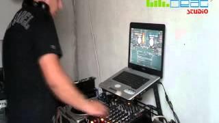 DJ VICTOR MD mixing live en el studio KONTOL BEAT