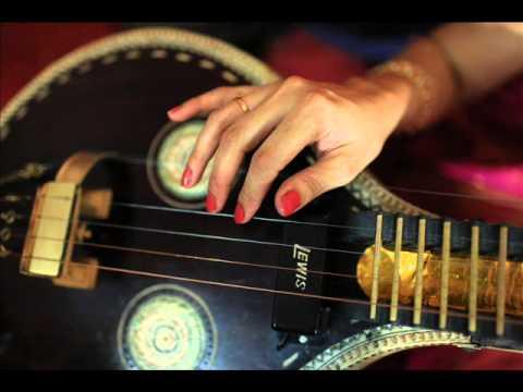 ajam nirvikalpam geetha &  kaustubha (veena and guitar)