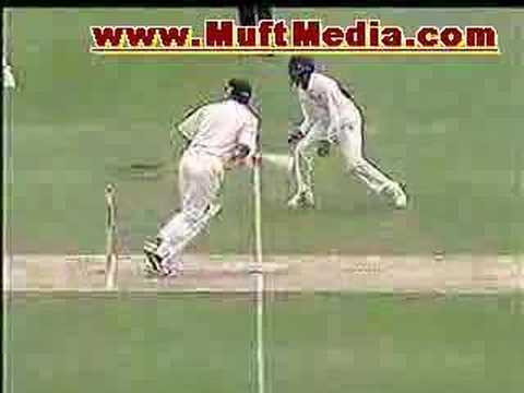 Zaheer Khan Great Bowling Against Aussies