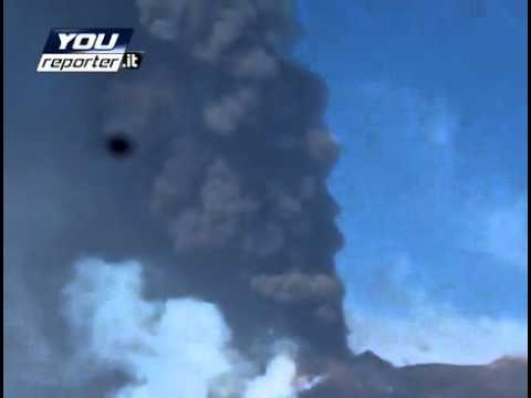 Etna Volcano Eruption Sept. 8 Column monstrous.mp4