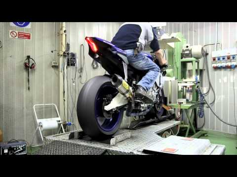 Arrow Exhaust 2015 Yamaha R1 - Dragon's Breath!