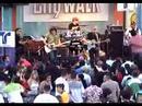 Crisantes@Universal City [video]