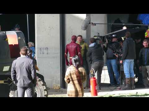 Legends Of Tomorrow shoots scene with The Flash stars Grant Gustin and Tom Cavanagh