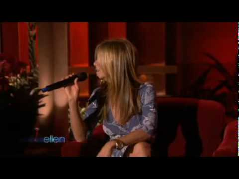 Jennifer Aniston Serenades Ellen