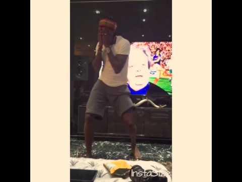 Watch Emmanuel Adebayor Dancing Shoki To Kiss Daniels Woju