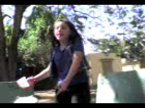 Fabiola y sus peleas en bajadero