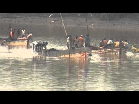 Vaitarna River in all its Splendour & Organised Sand Mining Operations going on