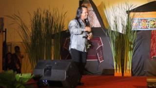 download lagu Erick Sihotang - Aku Yang Tersakiti Live At Telkom gratis