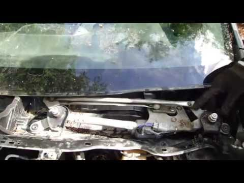 How to replace Windshield wiper motor Toyota Corolla years 2007 to 2014