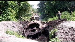 На Житомирщині дістали з болота залишки радянського танку - Житомир.info