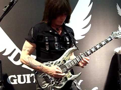 No boundaries by Michael Angelo Batio @ NAMM 09 in Frankfurt