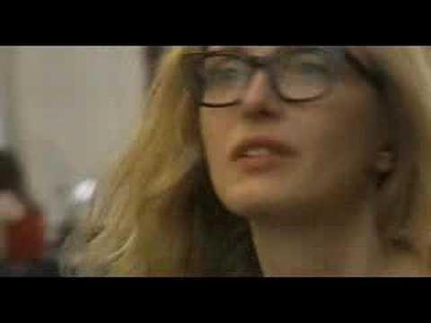 2 Days in Paris Movie Trailer & Movie Review