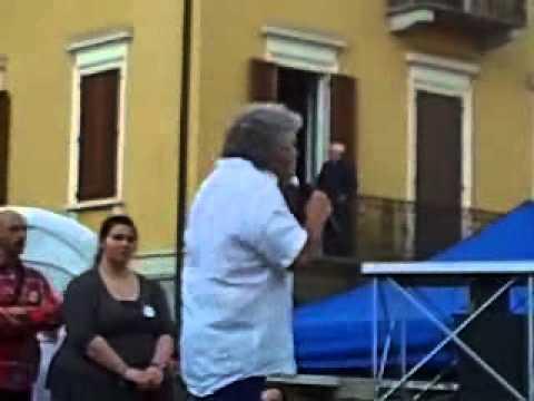 Beppe Grillo a Lodi (21/05/2013).Parla di Giorgio Napolitano