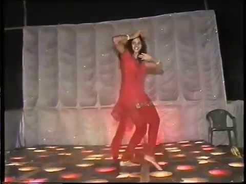 Shona Dancing On Mukhda Piya Ka Dekh Kar video