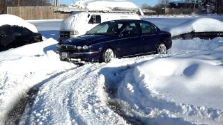 JAGUAR X TYPE 3.0 V6  on snow