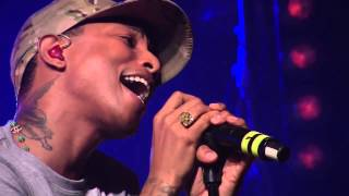 Pharrell Video - Daft Punk - Get Lucky ft. Pharrell Williams (First Live Performance HD @ HTC live)