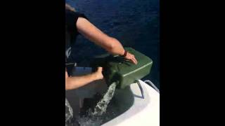 [Fail at fillig Gassoline on a boat] Video